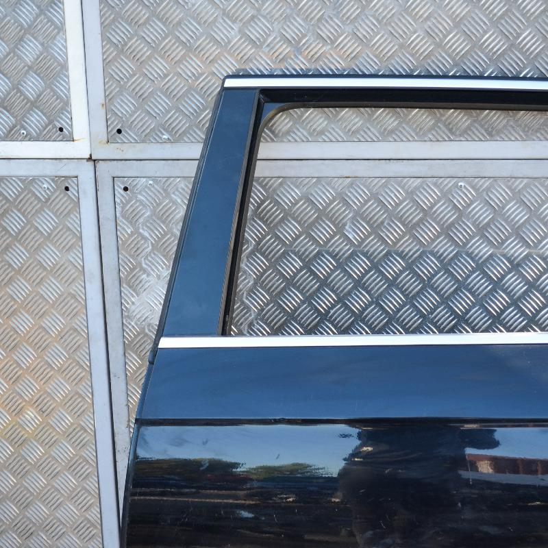 VW PASSAT Variant (3C5, B6) Galinės kairės durys 4298397