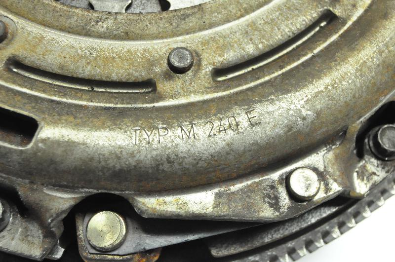 VW PASSAT Variant (365, B7) Sankabos komplektas TYPM240E 1522946