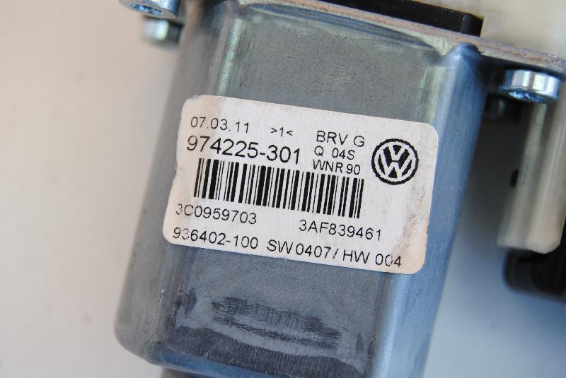 VW PASSAT Variant (365, B7) Galinių kairių durų stiklo pakelėjo varikliukas 974225-301 1522991