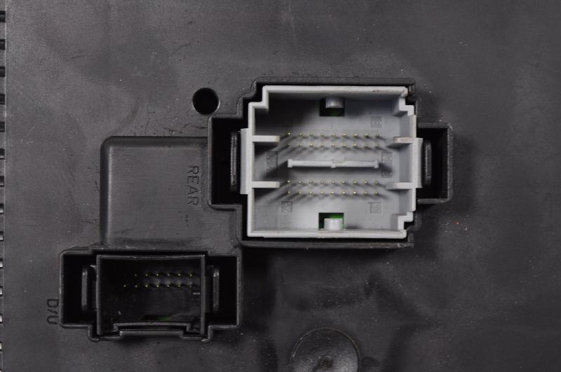 VOLVO XC90 I Fuse Box 30786646 3211363 on volvo s40 fuse box, volvo 164 fuse box location, volvo xc90 battery location, volvo xc90 cabin filter location, volvo 780 fuse box location, volvo xc90 relay location, volvo xc90 brakes, volvo v50 fuse box location, volvo xc90 hood, volvo xc90 lights, volvo s70 fuse box, volvo fuse panel, volvo vnl fuse box diagram, volvo xc90 starter location, volvo xc90 antenna location, volvo xc90 horn, volvo truck fuse box location, volvo v70 fuse box location, volvo 740 fuse box location, volvo v60 fuse box location,