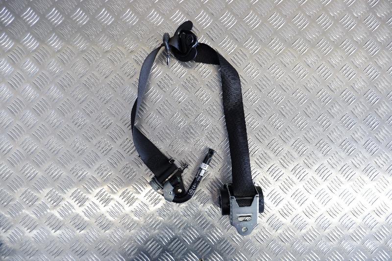 BMW 5 (F10) Priekinis dešinys saugos diržas 7211594 4239498