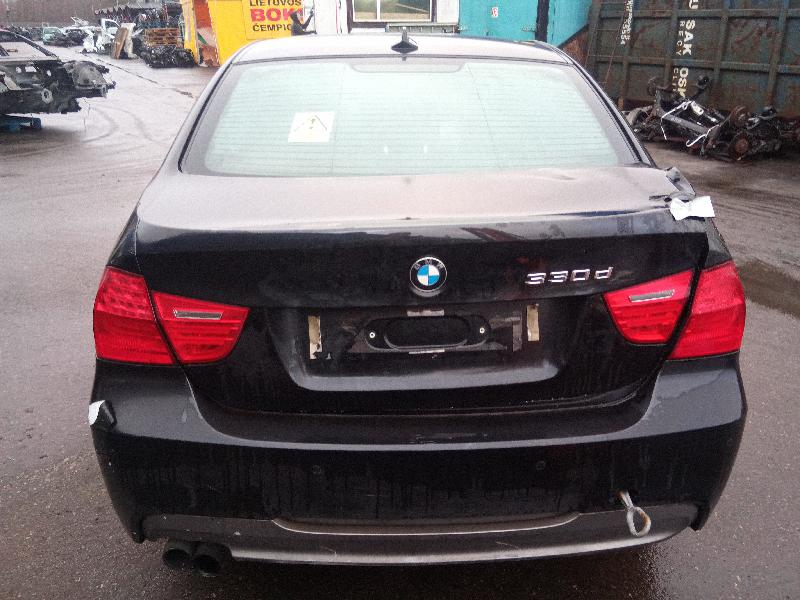 BMW 3 (E90) Galinio dangčio ženkliukas 8219237 4868666