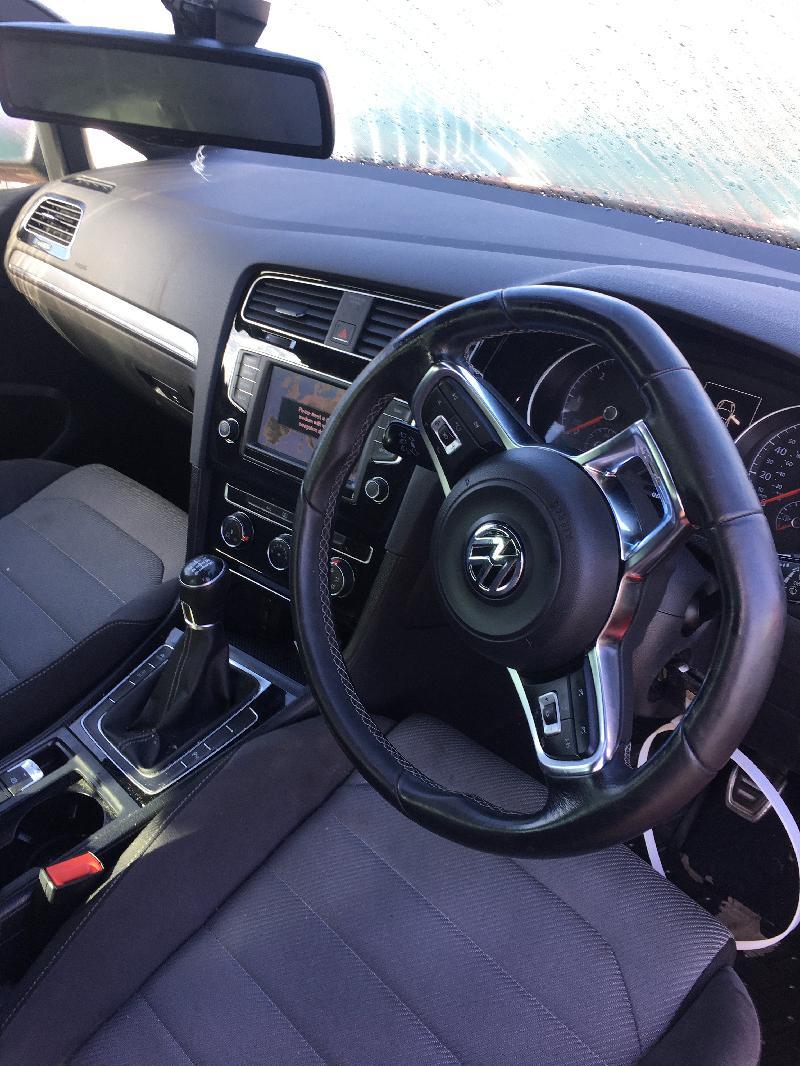 VW GOLF VII (5G1, BE1) Televizoriaus komplektas 5193342