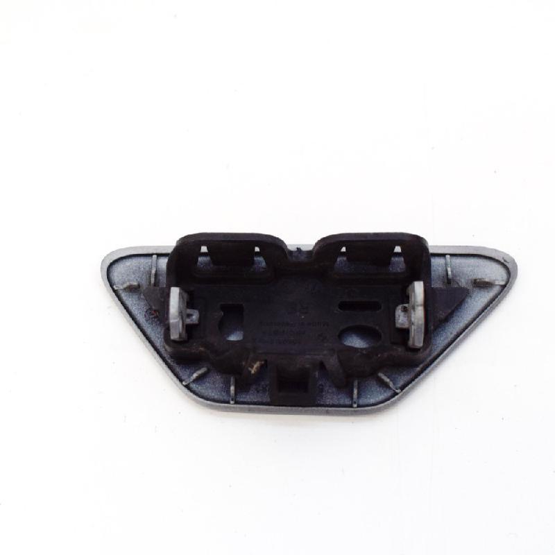 BMW 5 (F10) Dešinys žibintų apiplovėjo dangtelis 19017412 8050116 4305336