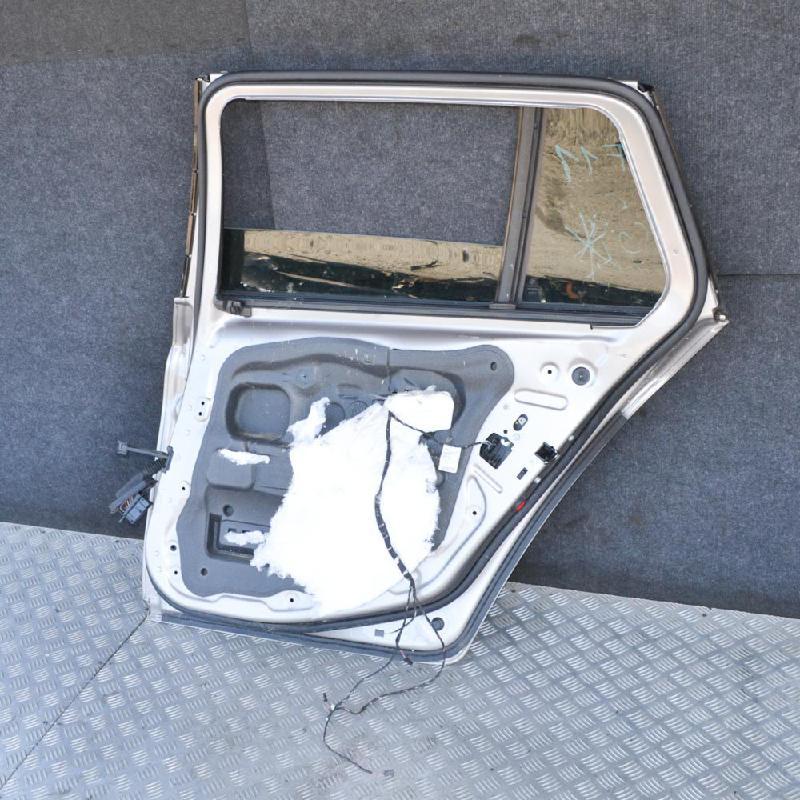 BMW 5 Touring (F11) Galinės dešinės durys 1734953