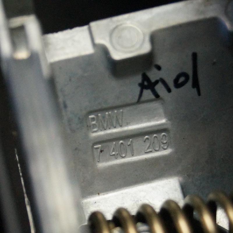 BMW 2 Active Tourer (F45) Priekinių kairių durų išorinė rankenėlė 7401209 2088362