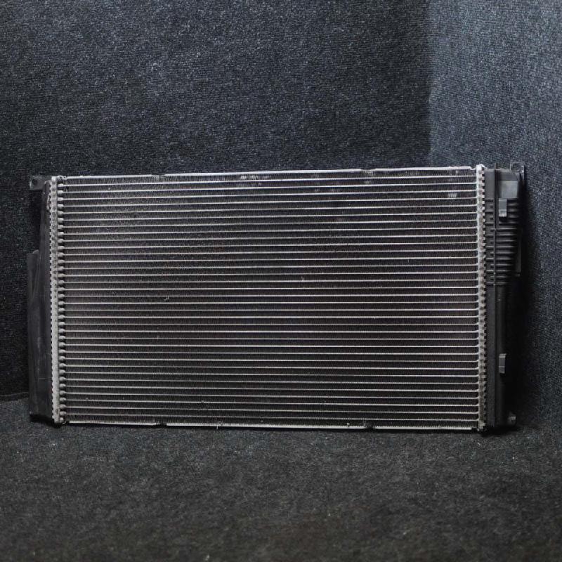 BMW 1 (F21) Aušinimo radiatorius 7600511 2249557