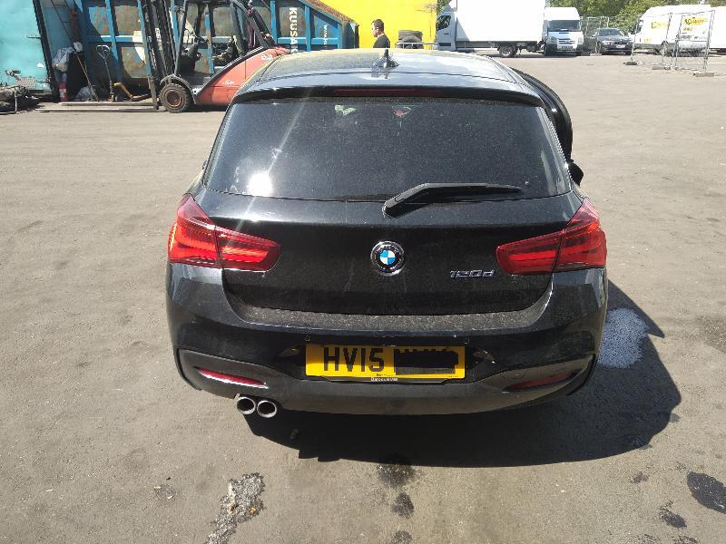 BMW 1 (F20) Galinio dangčio ženkliukas 7270728 3989306