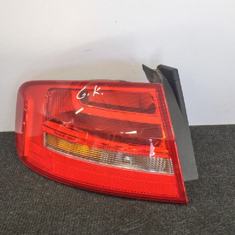 AUDI A4 (8K2, B8) Galinis kairys žibintas N/A 4021515