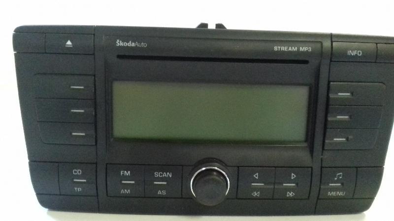 SKODA OCTAVIA Combi (1Z5) Muzikos grotuvas be navigacijos 1Z0035161C 3270276