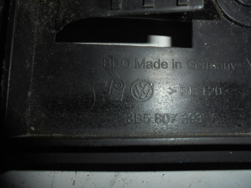 VW PASSAT (3B3) Galinio bamperio kairys laikiklis 3B5807393C 3908965