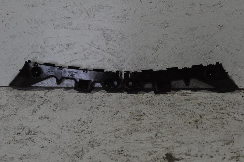 MAZDA CX-3 (DK) Galinis dešinys bamperio laikiklis D10J502H1 4219778