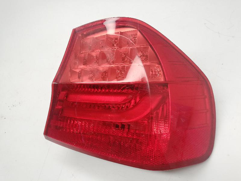 BMW 1 (E81) Фонарь задний правый 21838014 4312301