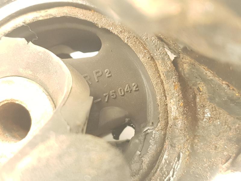 TOYOTA AVENSIS (_T25_) Greičių dėžės pagalvė AV-75042 5158362