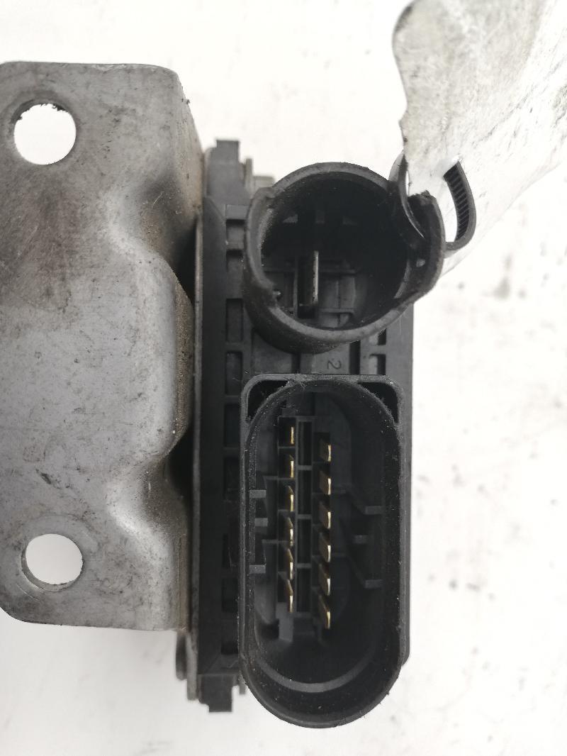 BMW 5 (E60) Žvakių pakaitinimo rėlė 7798000 2599173
