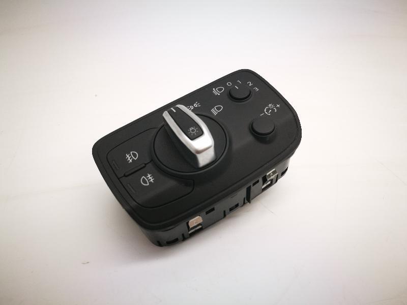 AUDI A3 (8V1, 8VK) Šviesų jungiklis 8V0941531N 4048201