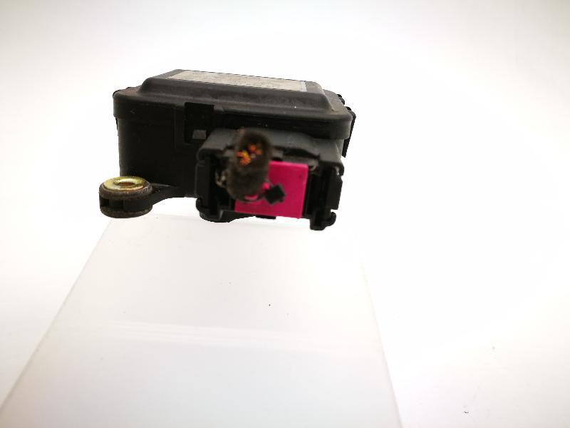 AUDI A6 Avant (4B5, C5) Salono pečiuko valdymo vožtuvai 4B1820511 4064239